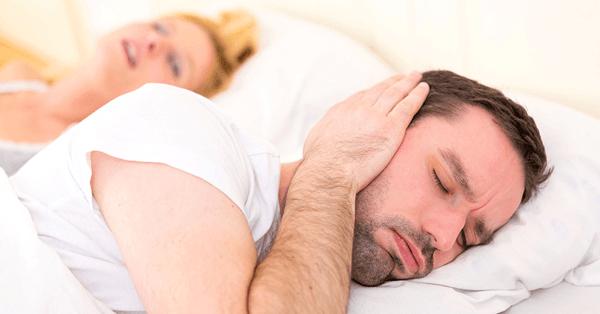 Pregnant-women-snoring